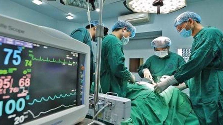 PGS-TS. Trần Ngọc Lương, Giám đốc Bệnh viện Nội tiết trung ương: Người 'xuất khẩu' kỹ thuật nội soi tuyến giáp