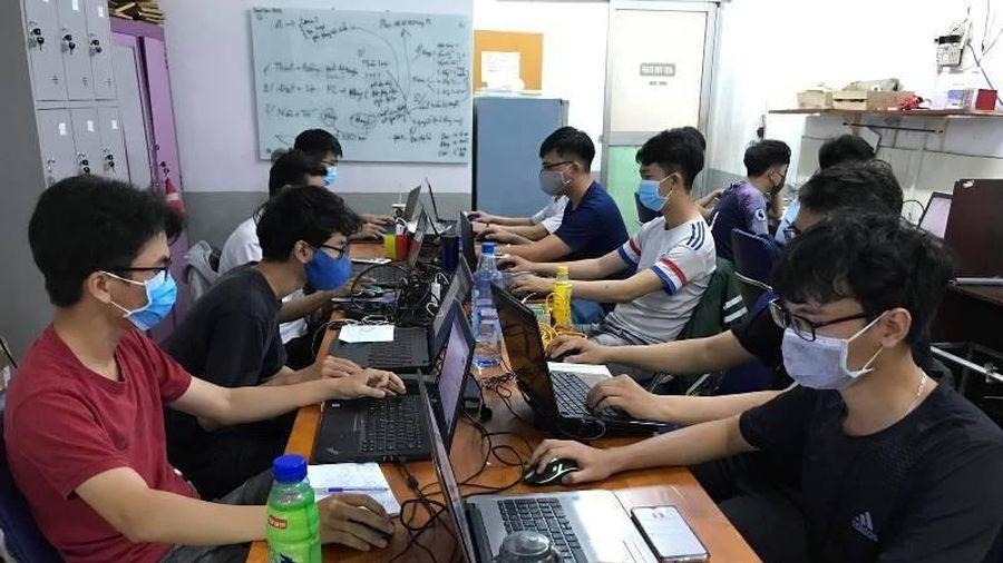 Bộ GD&ĐT đang tính toán đưa hình thức học trực tuyến thành giải pháp lâu dài