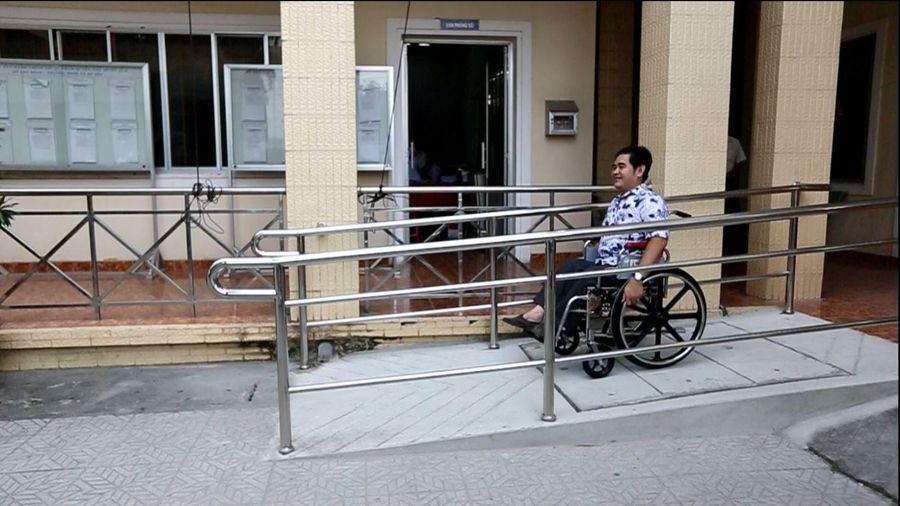 Bảo đảm cho người khuyết tật tiếp cận các công trình xây dựng