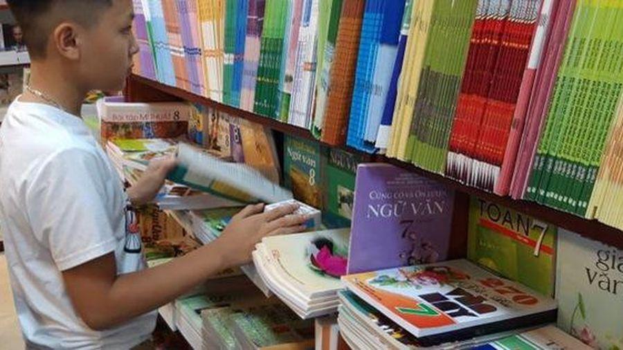 Những bộ sách giáo khoa lớp 2 và lớp 6 nào được phê duyệt sử dụng từ năm học 2021 - 2022?