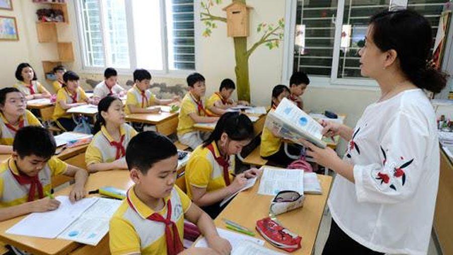 Chính sách mới từ tháng 3/2021: Nhiều điều chỉnh về lương giáo viên, quân nhân