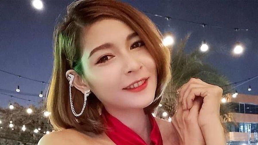 Phục vụ rượu tại bữa tiệc V.I.P, nữ tiếp viên xinh đẹp đột ngột tử vong