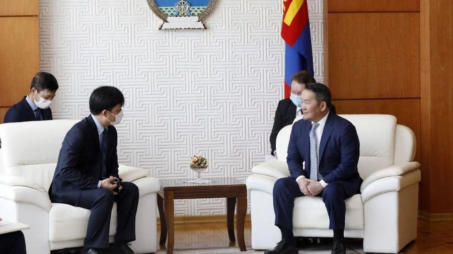 Đại sứ Doãn Khánh Tâm trình Ủy nhiệm thư lên Tổng thống Mông Cổ