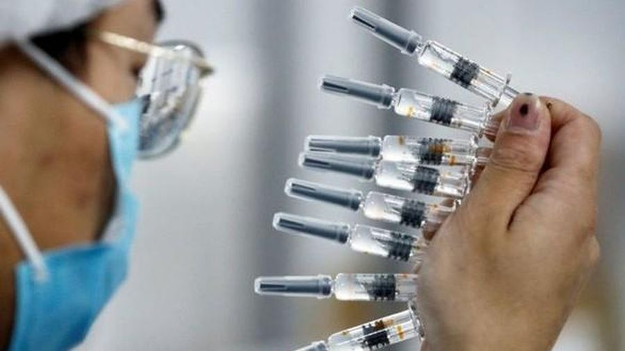 Philippines tiếp nhận lô vaccine Covid-19 đầu tiên của Trung Quốc