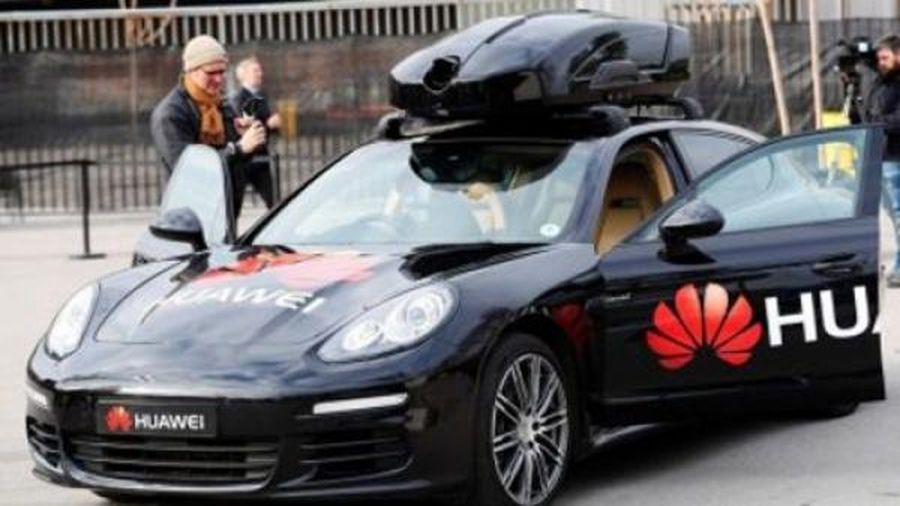 Huawei 'bẻ lái' sang ô tô