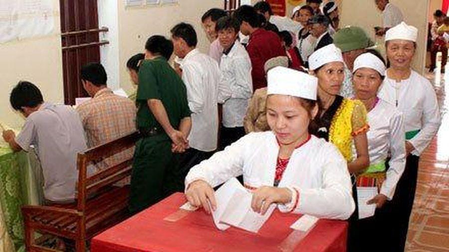 Điều kiện để công chức ứng cử đại biểu Quốc hội và quy trình giới thiệu ứng cử ở Trung ương