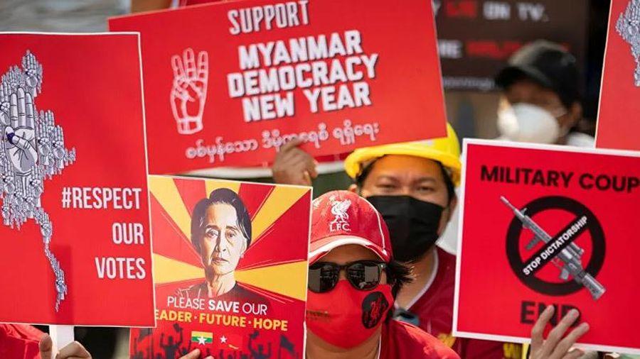 Đồng minh của bà Aung San Suu Kyi tính lập chính phủ lâm thời chống quân đội
