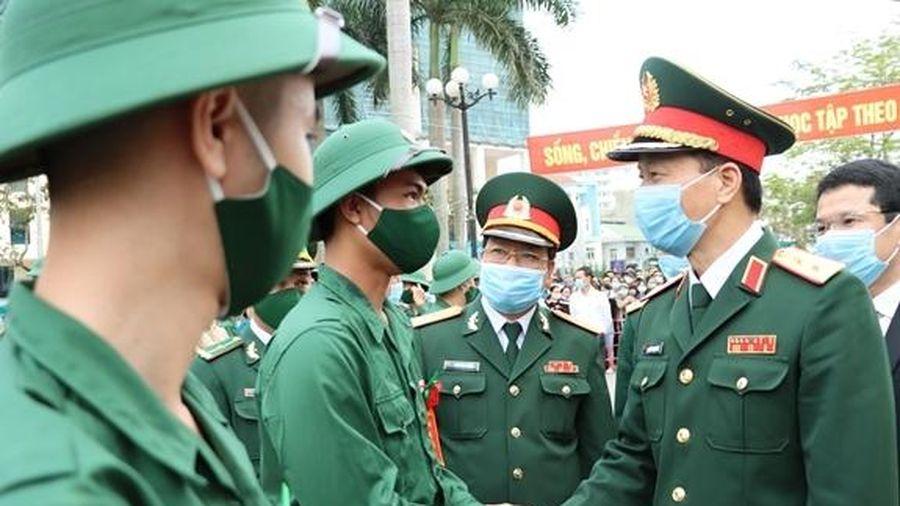 Quân khu 4 tổ chức giao nhận quân nhanh gọn, an toàn, tiết kiệm