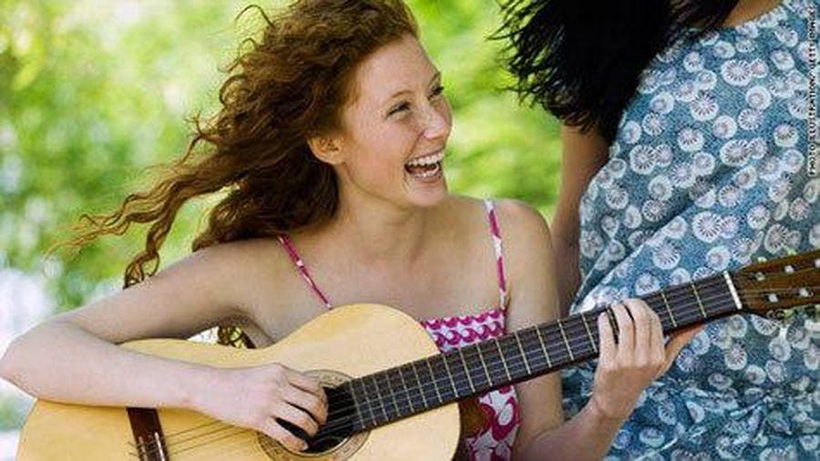 Âm nhạc và tiếng cười giúp giảm huyết áp
