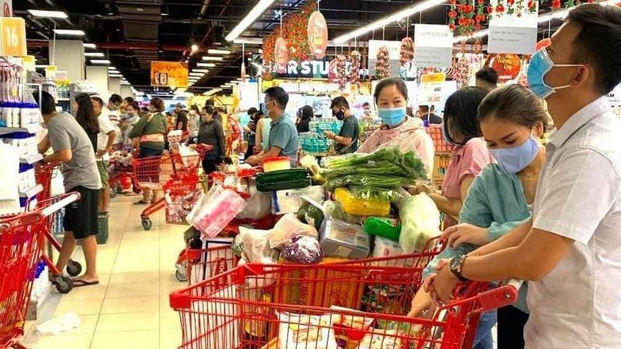 Bán lẻ hàng hóa và dịch vụ tiêu dùng tháng 2 giảm