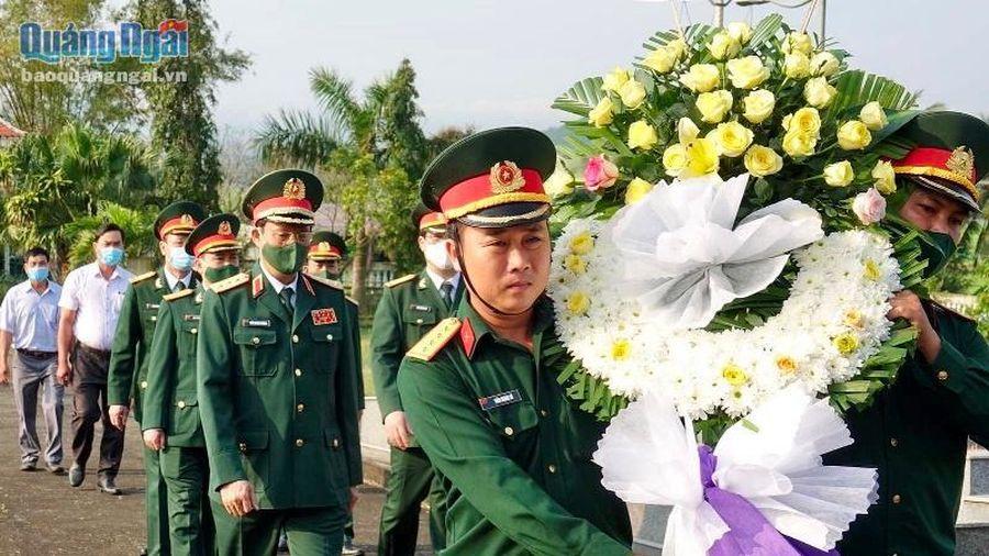 Thượng tướng Trần Quang Phương dâng hương tưởng niệm các Anh hùng liệt sĩ