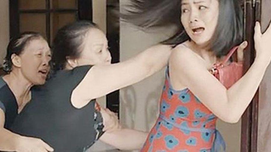 Con dâu 'giả nai' để 'cảm hóa' mẹ chồng ghê gớm một cách ngoạn mục