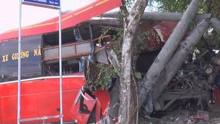 Va chạm giữa xe khách với xe đạp khiến 7 người thương vong