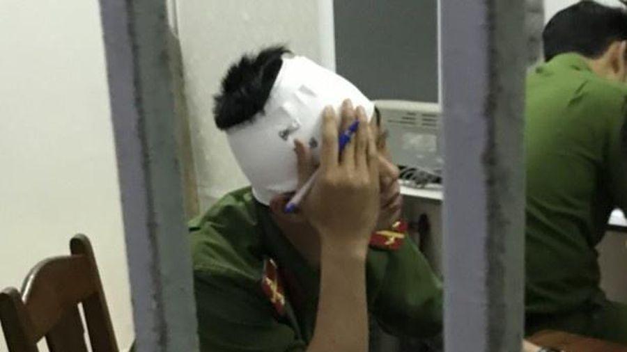 Khởi tố người tấn công cảnh sát ở TP.HCM
