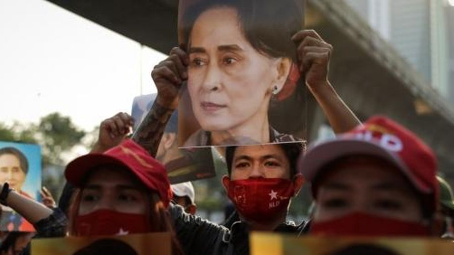Bà San Suu Kyi bị truy tố thêm tội danh mới