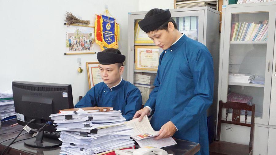 Huế vận động cán bộ và người dân mặc áo dài truyền thống