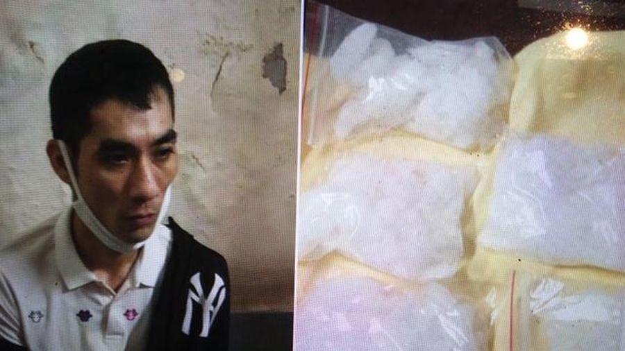 Hà Nội bắt đối tượng mang khối lượng lớn ma túy trong đêm