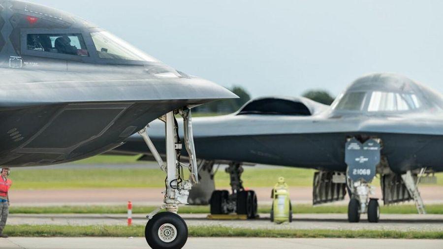 Báo Mỹ nói về máy bay ném bom tàng hình B-21 Raider được hiện đại hóa