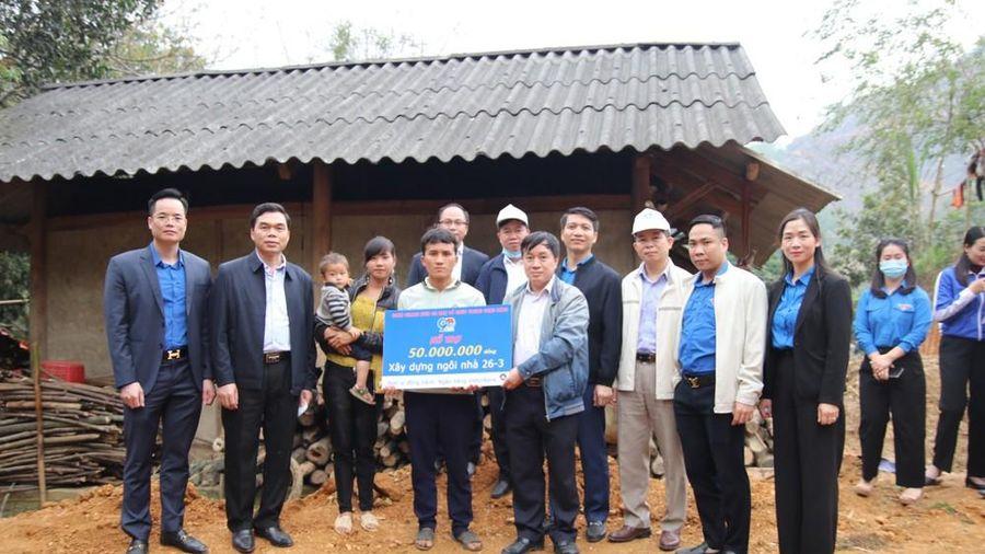 Thanh niên Ban Tổ chức Trung ương Đảng xây tổ ấm cho người người nghèo Tuyên Quang