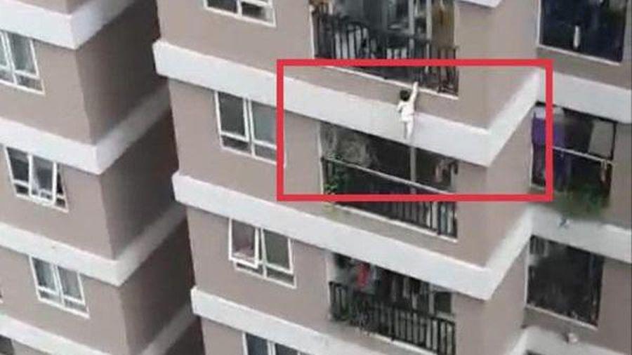 Sức khỏe cháu bé 3 tuổi rơi từ tầng 12 chung cư ra sao?