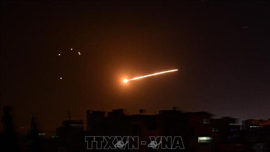 Syria bắn hạ nhiều tên lửa nhằm vào Damascus