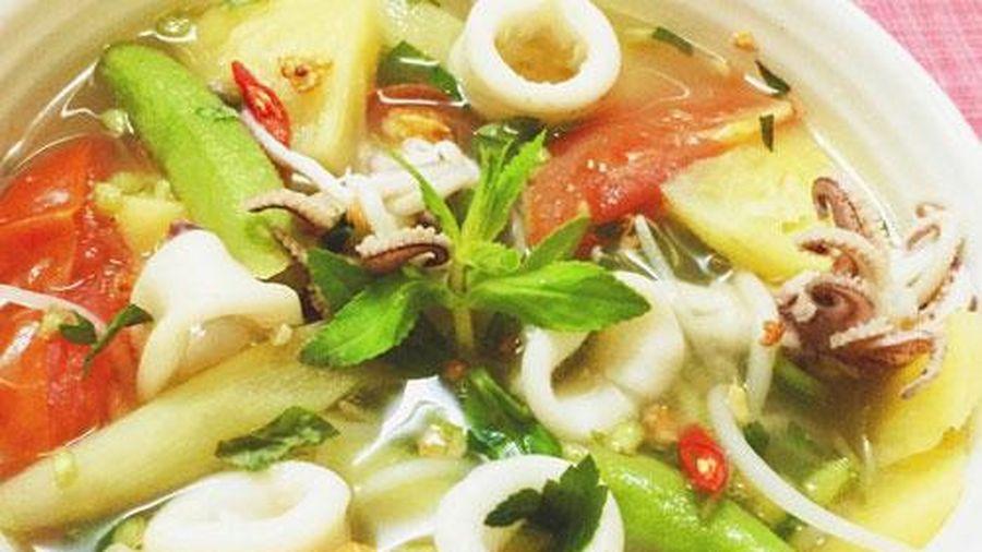 Cách nấu canh tôm mực thơm ngon bổ dưỡng ai ăn cũng yêu thích