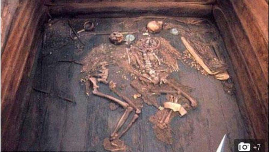 Hoàng hậu Siberi bị ám sát vì người tình?
