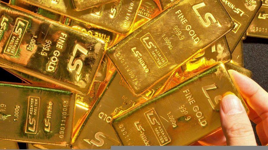 Giá vàng hôm nay 1/3: Giá vàng tiếp tục trượt dốc