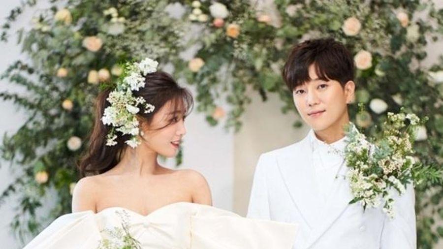 Nữ ca sĩ Jenny kết hôn vào tháng 3