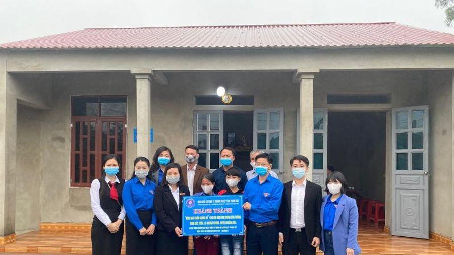 Khánh thành và bàn giao Ngôi nhà 'Khăn quàng đỏ' cho học sinh nghèo