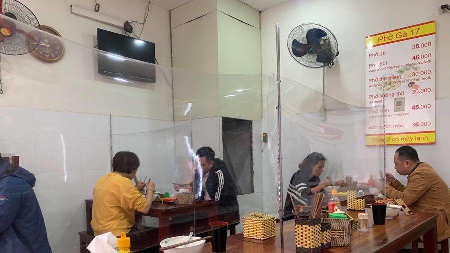 Hà Nội cho phép các nhà hàng, quán cà phê mở cửa trở lại