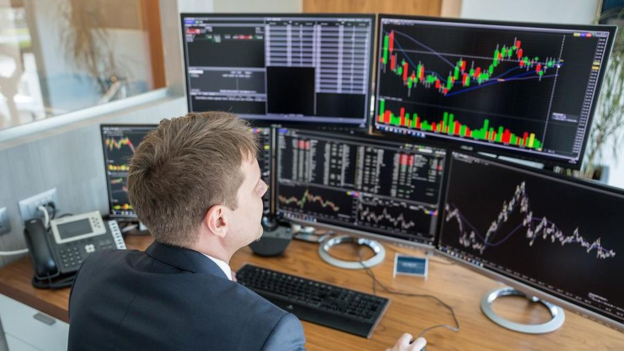 Giao dịch chứng khoán khối ngoại ngày 1/3: Nhà đầu tư nước ngoài vẫn bán ròng hàng trăm tỷ đồng