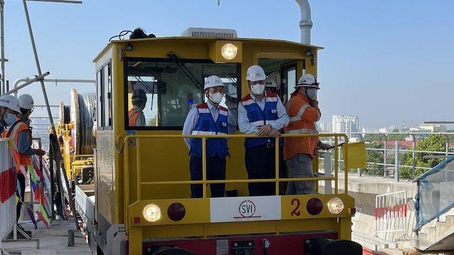 Bất ngờ với lương của chuyên gia đào tạo lái tàu metro