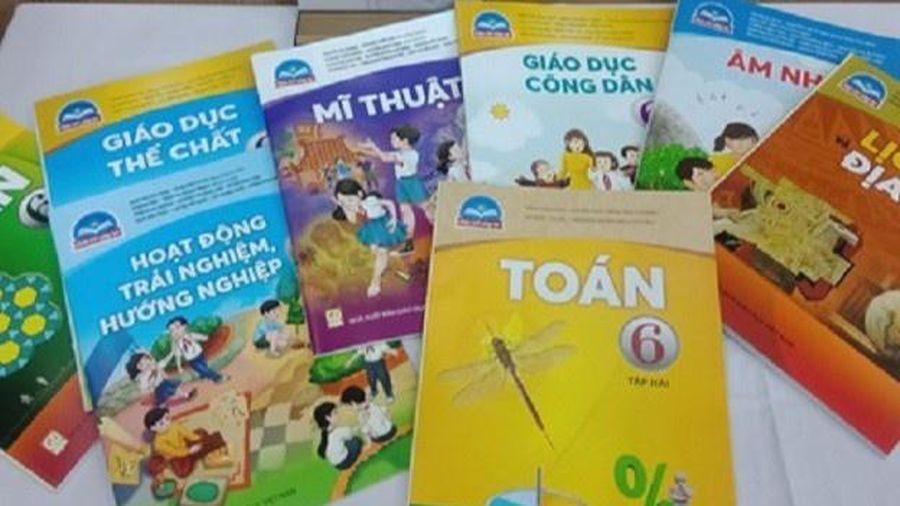 Giáo viên TP.HCM bỏ phiếu kín chọn sách giáo khoa lớp 6