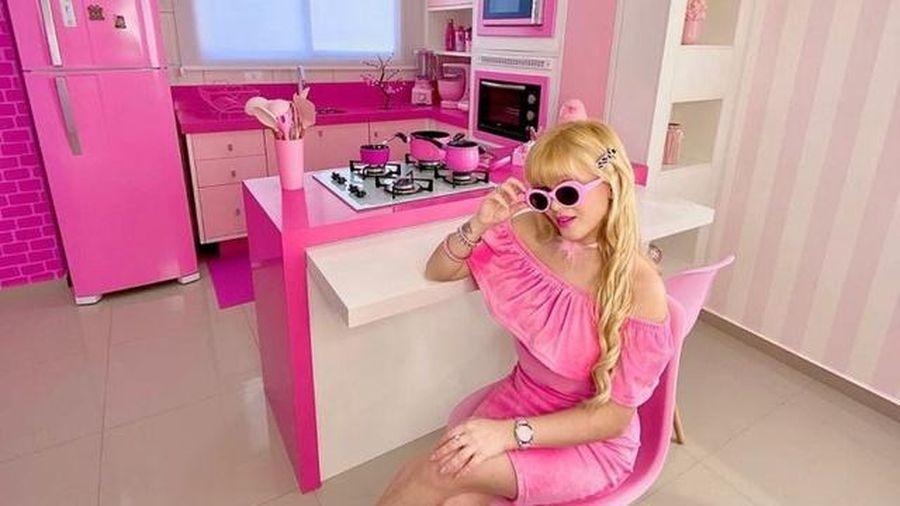 Bị 'cuồng' màu hồng, người phụ nữ biến mình thành búp bê Barbie ngoài đời thực
