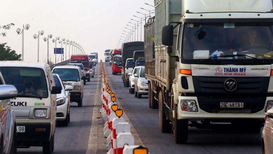'Lối thoát' nào cho tình trạng ùn tắc cầu Thanh Trì?