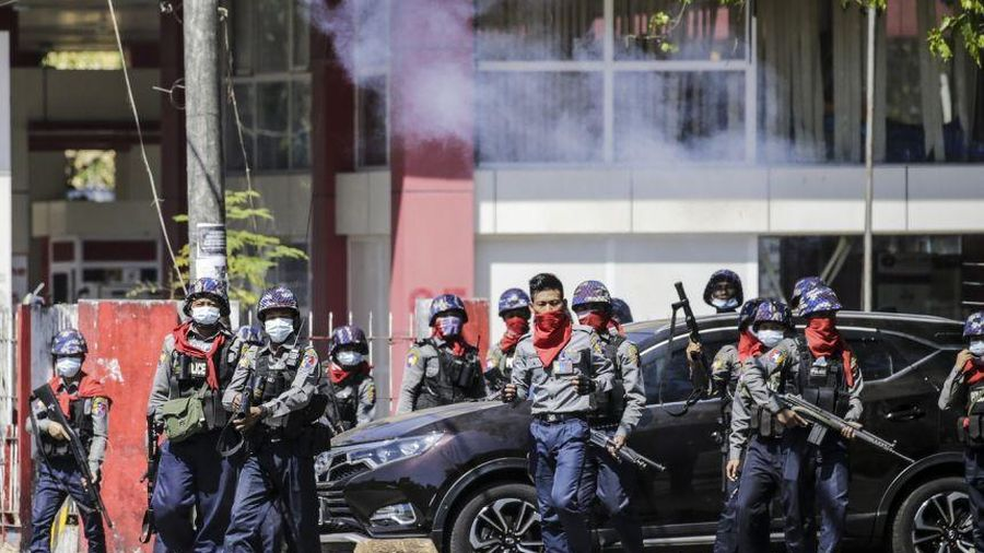 Quân đội Myanmar yêu cầu không bắn đạn thật vào người biểu tình