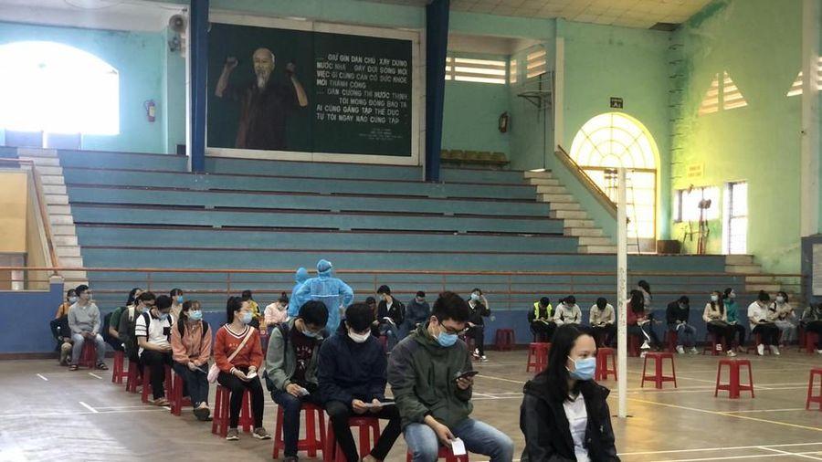 Xét nghiệm PCR 4.000 sinh viên Đại học Huế khi trở lại trường