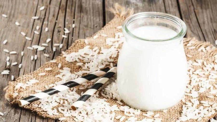 Bật mí cách làm sữa hạt cho bé biếng ăn tăng cân nhanh