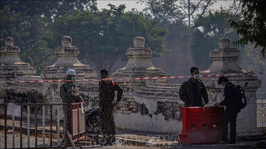 Singapore kêu gọi tránh các biện pháp trừng phạt Myanmar