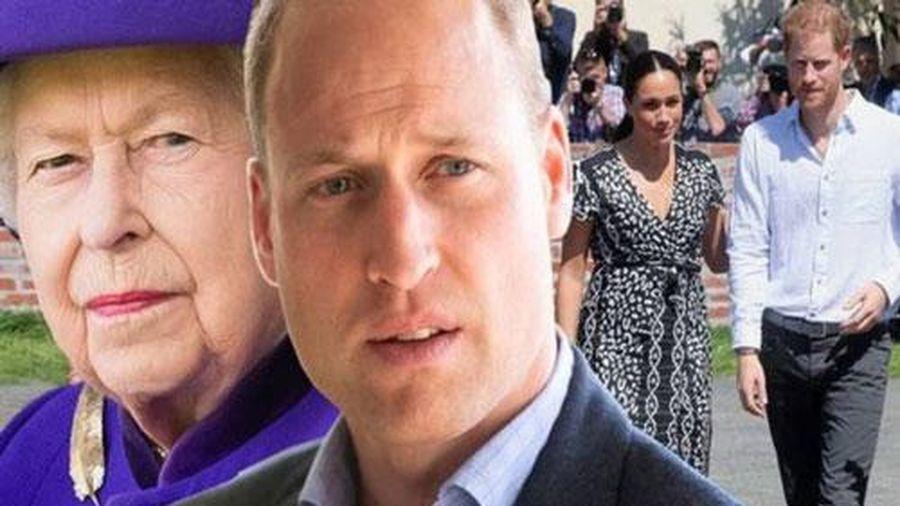 Hoàng tử William sốc và buồn lòng vì Harry cả gan xúc phạm Nữ hoàng