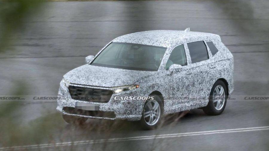Honda CR-V mới lần đầu lộ diện dưới lớp ngụy trang