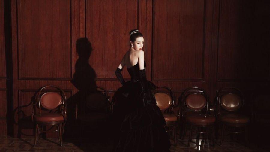 Tạo hình minh tinh Audrey Hepburn của Địch Lệ Nhiệt Ba đẹp ngất nhưng dân tình lại chê giống giang hồ
