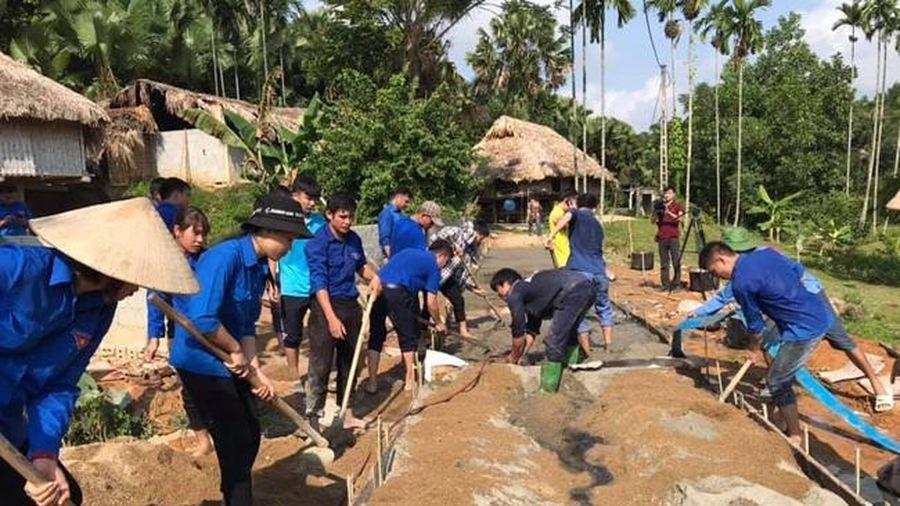 Tuổi trẻ huyện Lang Chánh chung sức xây dựng nông thôn mới