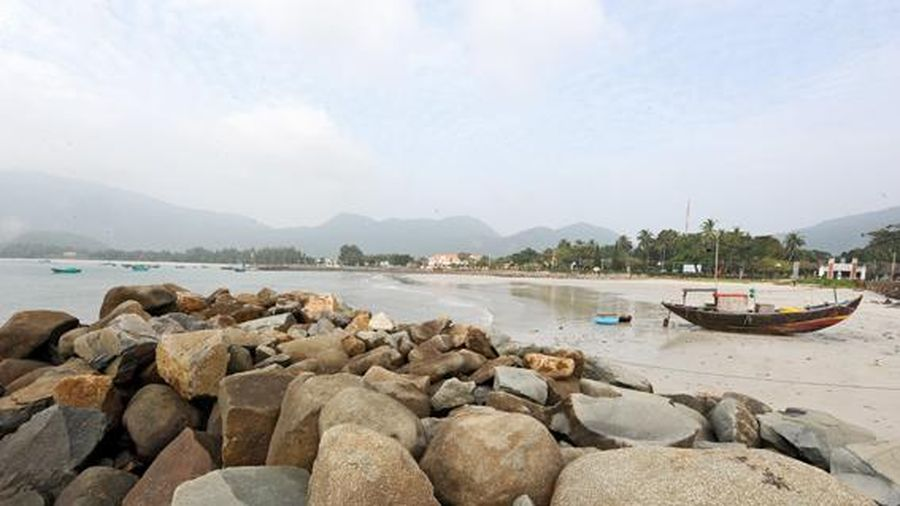 Chùm thơ của Nguyễn Đức Sơn về biển đảo, quê hương