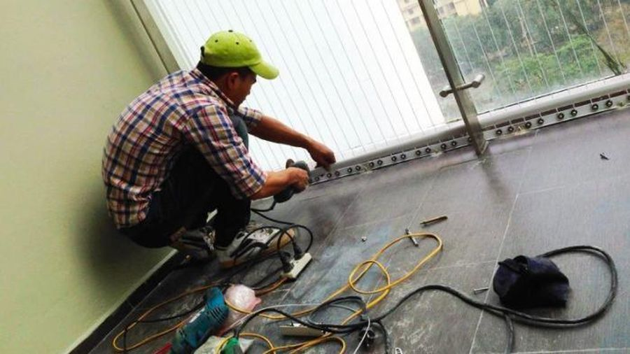 Sau vụ bé gái rơi từ tầng 12: Đề xuất chủ đầu tư phải lắp lưới an toàn tại chung cư