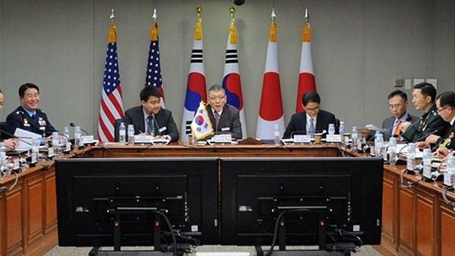 Củng cố quan hệ Mỹ - Nhật - Hàn, cứng rắn với Trung Quốc