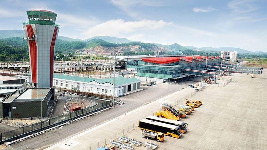 Mở cửa trở lại sân bay Vân Đồn
