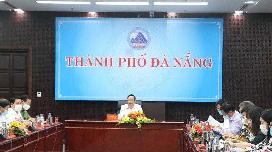 Giám đốc sở bức xúc với chậm trễ của chủ tịch quận, huyện