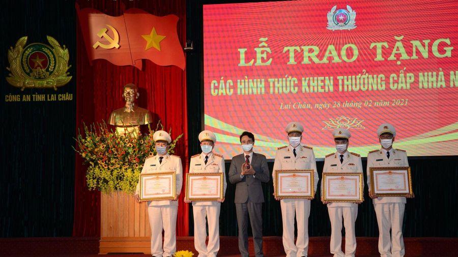 Trao tặng Huân chương Bảo vệ Tổ quốc cho một số tập thể, cá nhân công an tỉnh Lai Châu